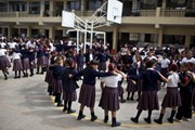 [Photo] Peru cho học sinh diễn tập đối phó với động đất
