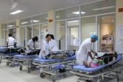 Quảng Ninh: 12 du khách Trung Quốc phải cấp cứu vì ngộ độc