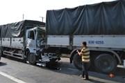 Bốn xe tải gây tai nạn giao thông liên hoàn tại Tiền Giang