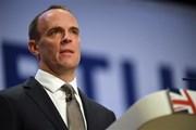 Thủ tướng Anh nhận cú đòn mạnh khi Bộ trưởng Brexit từ chức