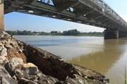 Chân cầu Hàm Rồng sạt lở nghiêm trọng, nguy cơ sập đường sắt