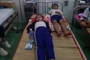 Nhiều học sinh nhập viện do uống trực tiếp hoặc nuốt dung dịch Fluor
