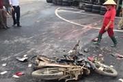 Hải Dương: Xe container va chạm với xe máy, 2 người thiệt mạng