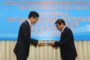 Chủ tịch UBND TP.HCM nhận Huân chương của Tổng thống Hàn Quốc