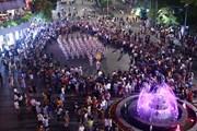 Đoàn nghi lễ Công an Nhân dân biểu diễn tại phố đi bộ hồ Hoàn Kiếm