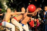 Trai làng làng Thúy Lĩnh trong lễ hội vật cầu truyền thống ngày Xuân
