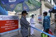 Bệnh viện Xanh Pôn phân luồng, kiểm tra thân nhiệt người vào viện