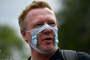 Hàng trăm người tụ tập biểu tình phản đối đeo khẩu trang tại Anh