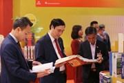 Các cơ quan báo chí và NXB trưng bày sách, báo phục vụ Đại hội XIII
