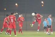 Tuyển Việt Nam tập tại sân bóng đá của CLB Shabab Al-Ahli