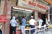 Hà Nội: Nhà cung cấp giảm sản lượng, bánh Trung Thu vẫn vắng khách