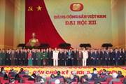 Bạn bè và người Việt ở Lào vui mừng trước thành công của Đại hội X
