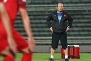 Ông Park Hang-seo đầy suy tư trong buổi tập trước trận gặp Thái Lan