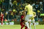 Cận cảnh những pha đá xấu của cầu thủ Thái Lan với Việt Nam