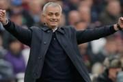 Cận cảnh HLV Jose Mourinho khởi đầu hoàn hảo cùng Tottenham