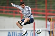 Bayern hăng say tập luyện trước giờ phán quyết về Bundesliga