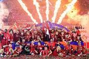 Khoảnh khắc đáng nhớ trong ngày Liverpool nâng cúp sau 30 năm chờ đợi