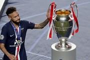 Neymar rơi lệ và tiếc nuối cúp vô địch sau trận cầu thất vọng