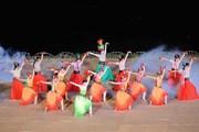 [Photo] Rực rỡ, sống động Lễ bế mạc Festival Huế 2014