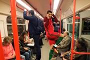 Hành động điệu đà của Ronaldo bị chế ảnh không thương tiếc