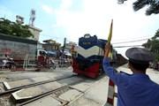 Chủ tịch Đường sắt: 'Thế kỷ 21 vẫn cầm cờ chạy chân đất để bắt tàu'