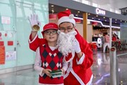 Lung linh sắc màu Giáng sinh ấm áp tại Cảng hàng không Nội Bài