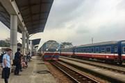 Tàu hàng trật bánh, đường sắt Bắc-Nam bị gián đoạn tạm thời