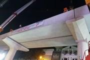 Thi công lắp đặt ray tàu cho Đường sắt đô thị đoạn Nhổn-ga Hà Nội