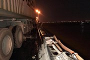 Ám ảnh cảnh xe container gây tai nạn nghiêm trọng trên cầu Thanh Trì