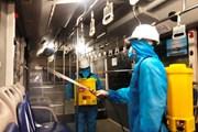 Ngành vận tải tăng cường phun khử khuẩn phương tiện để phòng COVID-19