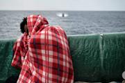 Chính phủ Italy thông qua sắc lệnh cứng rắn chống di cư