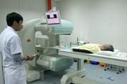 Pháp hỗ trợ Việt Nam kỹ thuật và đào tạo bác sỹ điều trị ung thư