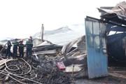 Bình Định: Kho chứa gỗ rộng 1.000m2 bốc cháy suốt 12 giờ đồng hồ