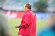 HLV Park Hang-seo 'cầu nguyện' trước trận quyết đấu với Myanmar