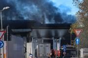Italy: Bãi rác ở Rome bén lửa, mùi phế thải cháy tỏa khắp thành phố