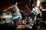 Tai nạn thảm khốc tại Thổ Nhĩ Kỳ: Tàu cao tốc đâm vào cầu vượt