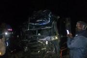 Tai nạn xe khách thảm khốc trên cao tốc, 80 người thương vong