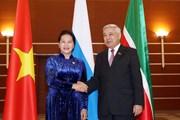 [Photo] Chủ tịch Quốc hội gặp Chủ tịch Hội đồng Nhà nước Tatarstan