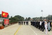 [Photo] Đại biểu dự Đại hội Đảng bộ Khối các cơ quan TW viếng Lăng Bác