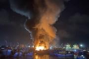 Bình Định: Hỏa hoạn thiêu rụi 5 tàu cá neo đậu tại cảng Quy Nhơn
