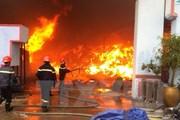 Hỏa hoạn thiêu rụi một xưởng sản xuất than sạch ở Cà Mau