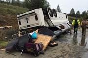 Nam Phi: Lật xe khách khiến ít nhất 10 người thiệt mạng
