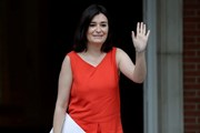 Gian lận bằng cấp, nữ bộ trưởng Y tế Tây Ban Nha từ chức