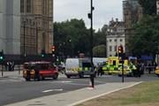 Cảnh sát Anh loại trừ khả năng khủng bố vụ lao xe ngoài thánh đường