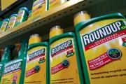 Tòa án Pháp hủy giấy phép lưu hành thuốc diệt cỏ Monsanto