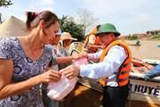 Đẩy nhanh công tác cứu trợ vùng ngập lụt ở tỉnh Quảng Bình