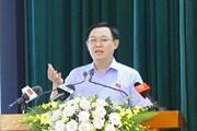 [Photo] Chủ tịch Quốc hội Vương Đình Huệ vận động bầu cử tại Hải Phòng