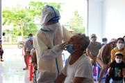 [Photo] Huyện Côn Đảo xét nghiệm sàng lọc COVID-19 cho toàn bộ cư dân