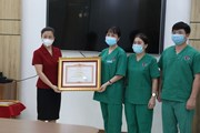 Đoàn y bác sỹ Quảng Ninh nhận Bằng khen của Thủ tướng về chống dịch