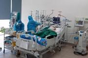 [Photo] Nơi giành giật sự sống cho bệnh nhân COVID-19 nặng